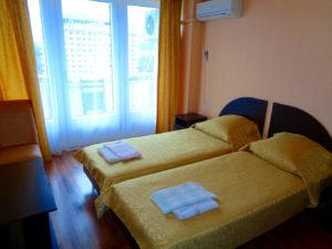 3-местный улучшенный (двухкомнатный), Дом отдыха Питиус в Пицунде, Абхазия