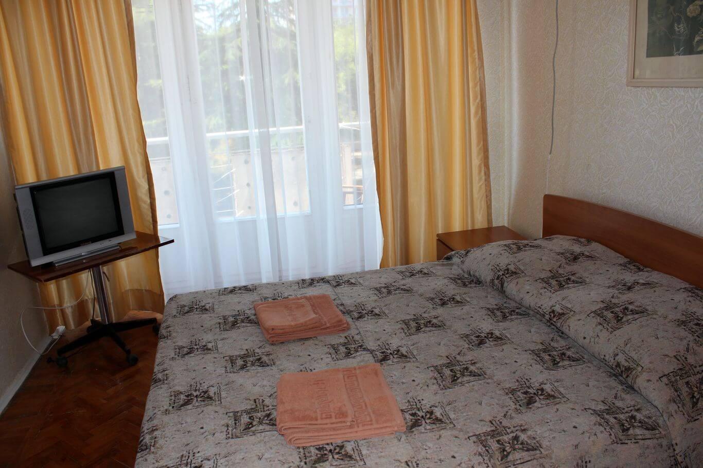 3-местный стандартный (двухкомнатный), Дом отдыха Питиус в Пицунде, Абхазия